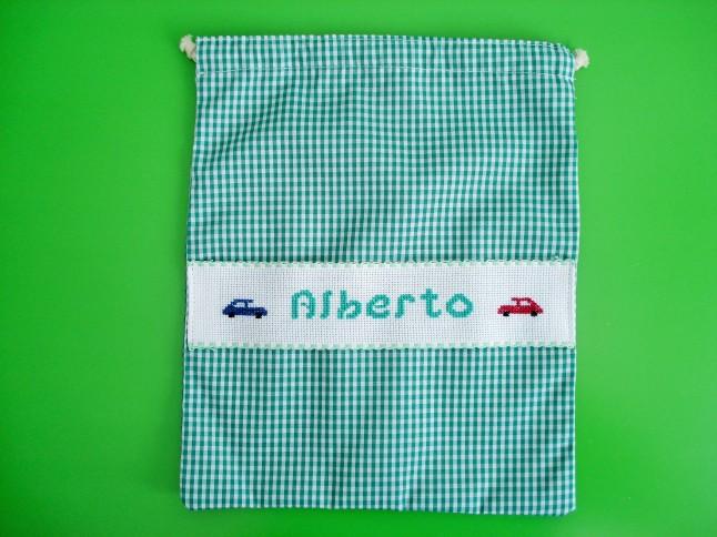 Bolsa de merienda verde, 29 x 23 cm. Precio: 15 €.