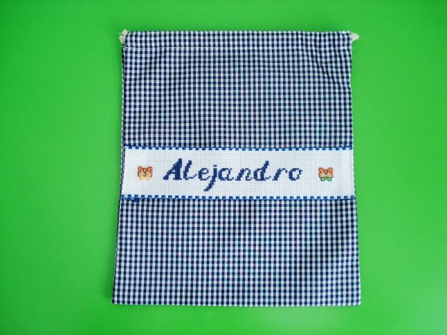 Bolsa de merienda azul oscura, 29 x 23 cm. Precio: 15 €.