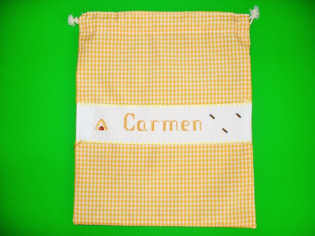 Bolsa de merienda amarilla, 29 x 23 cm. Precio: 15 €.