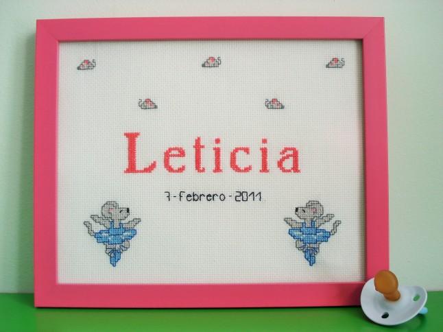 Cuadro de 20 x 25 cm, rosa oscuro. Precio: 40 €.