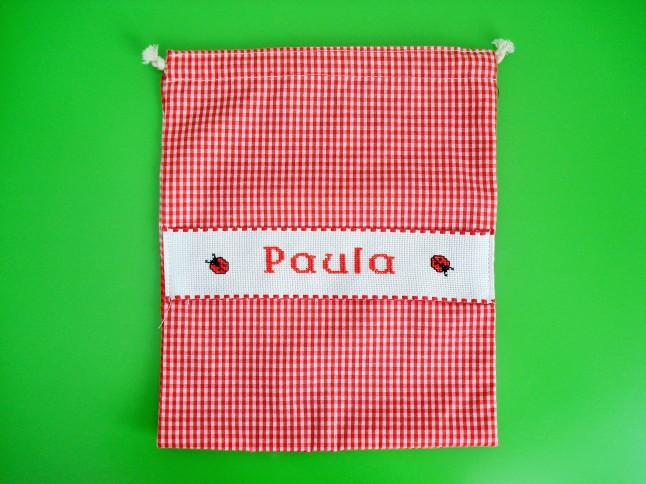 Bolsa de merienda roja, 29 x 23 cm. Precio: 15 €.